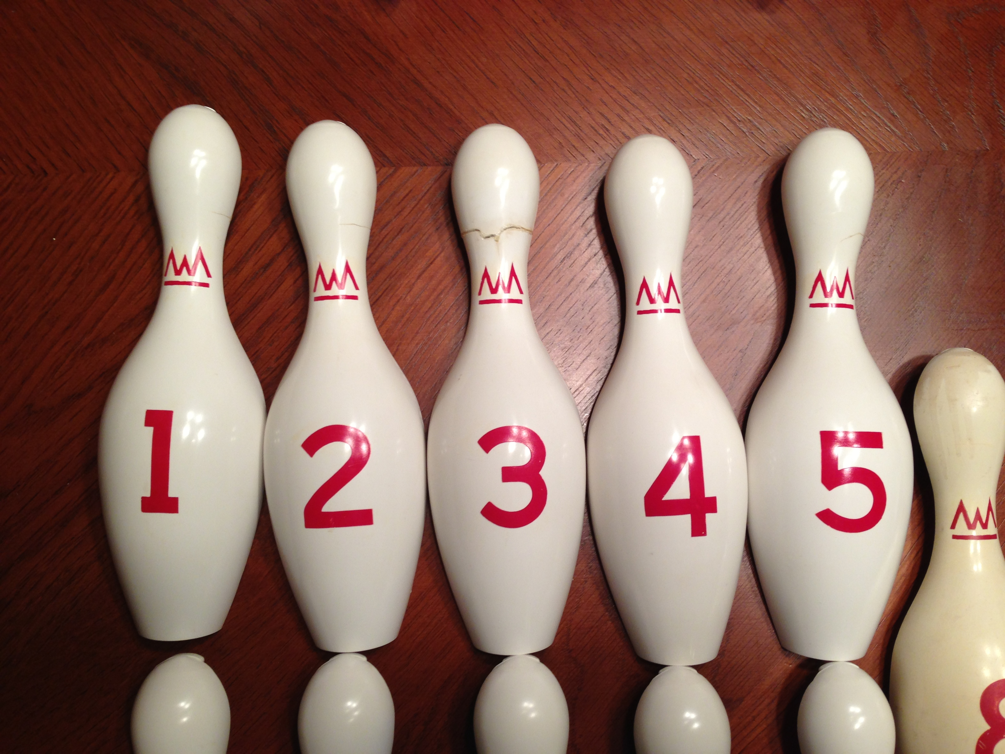 bowling pin cleaning machine